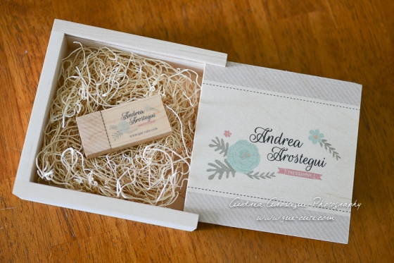 Custom USB with Box Andrea Arostegui Photography